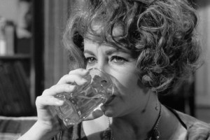 inline-celebs-who-can-outdrink-you-Elizabeth-Taylor-in-Who's-Afraid-of-Virginia-Woolf